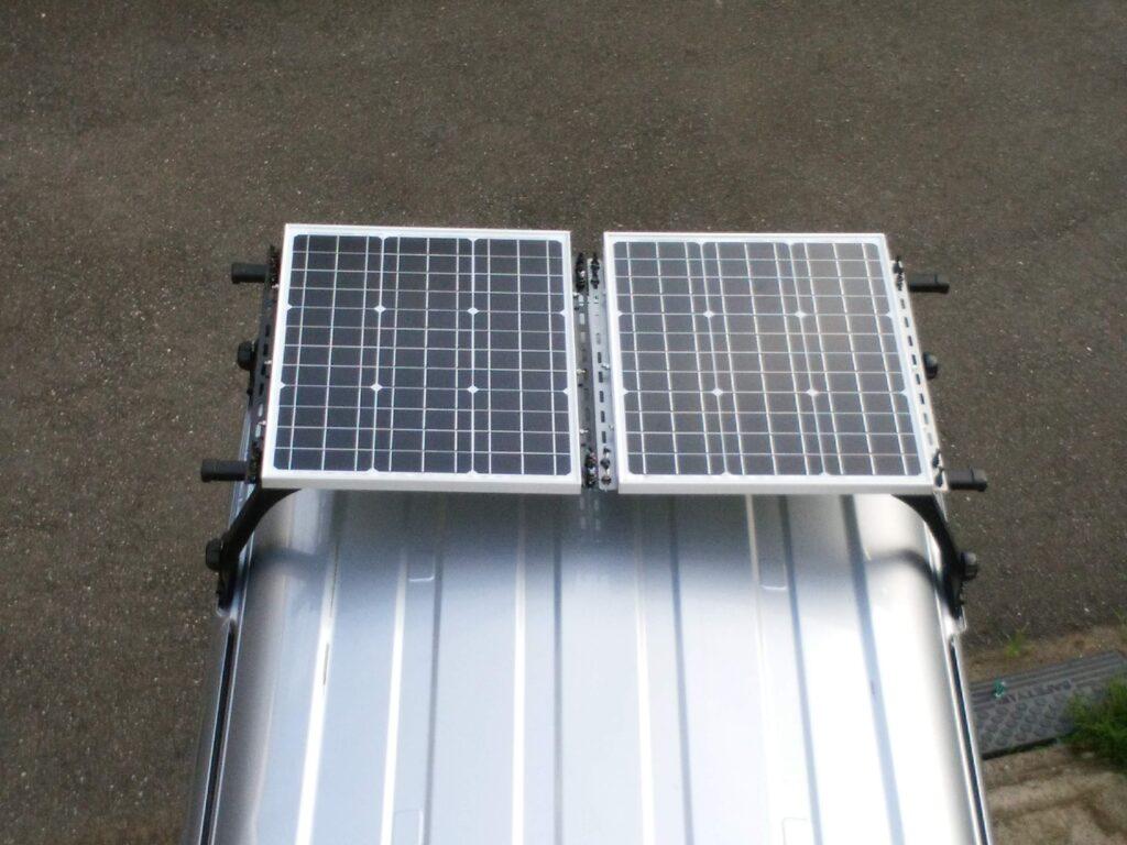 ソーラーパネル50Wを2枚設定