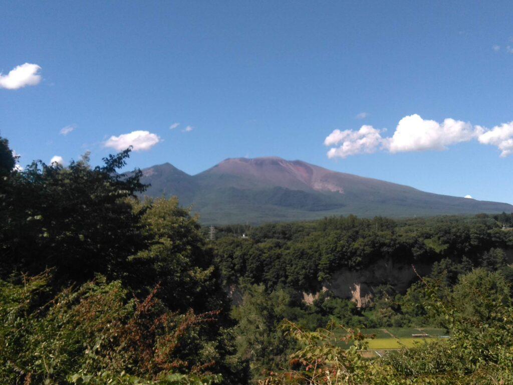 2018年9月長野県小諸から見た浅間山