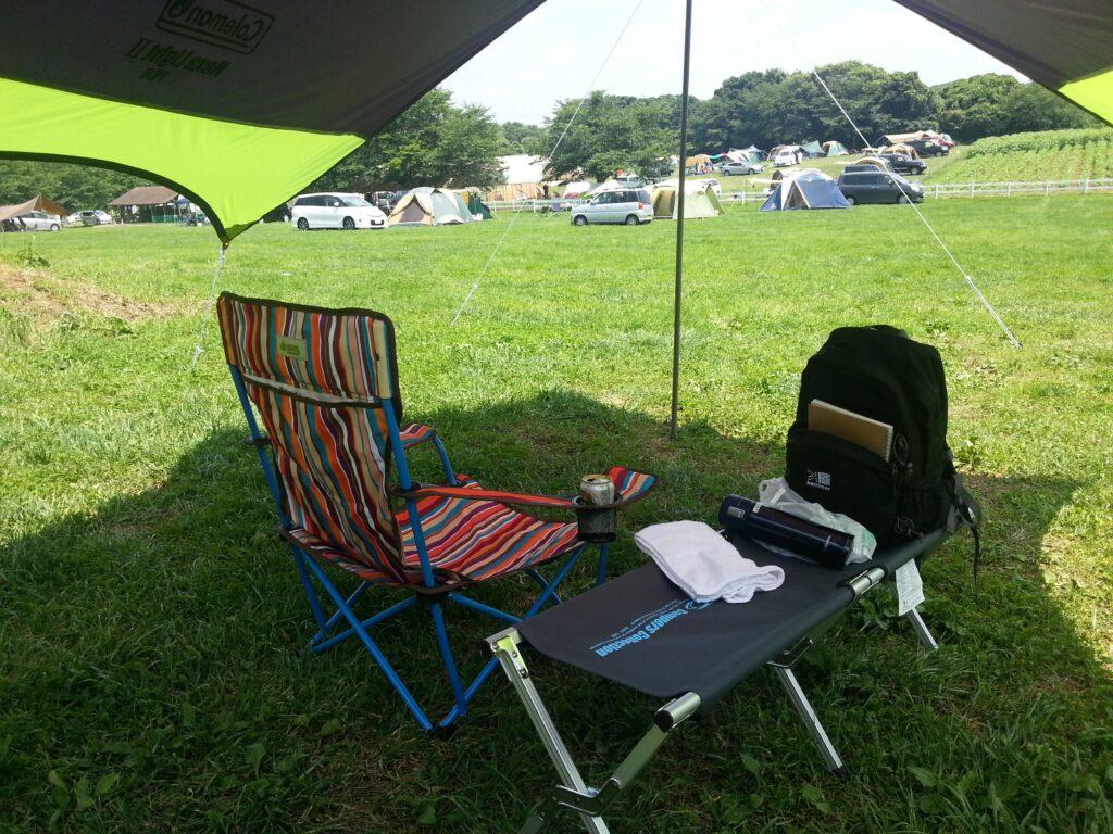 広々としたフリーのサイトです。どこにでもテントを貼れます。成田夢牧場キャンプ場