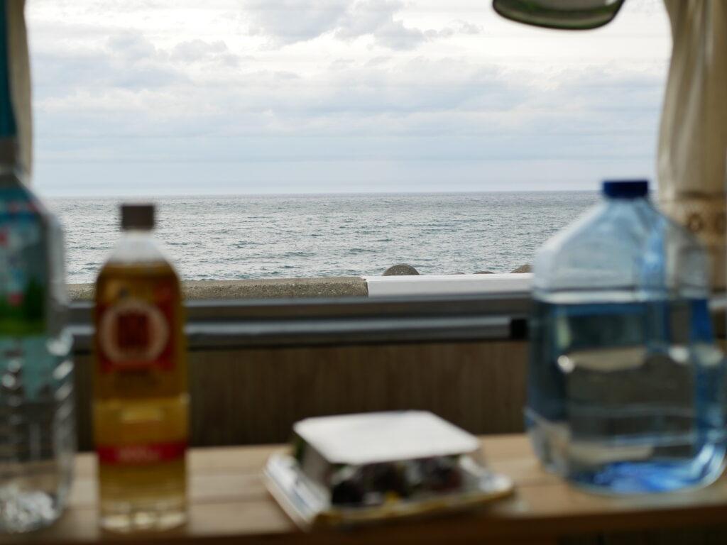 海を見ながら休憩 道の駅能生