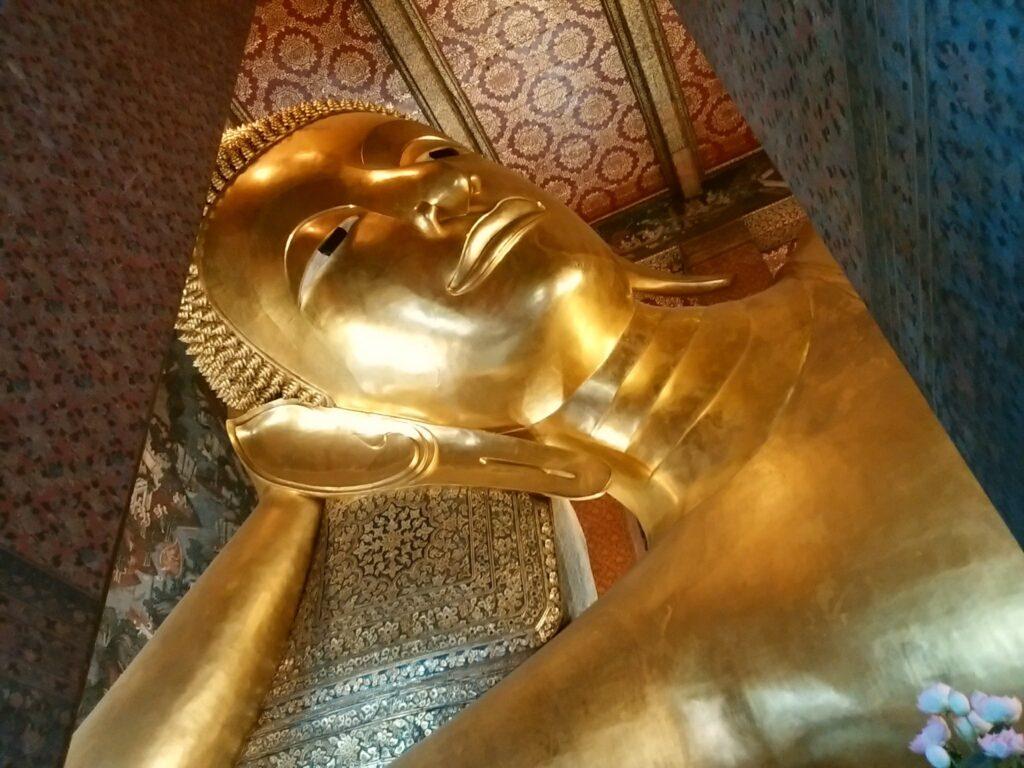 バンコク三大寺院として有名なワット・ポー