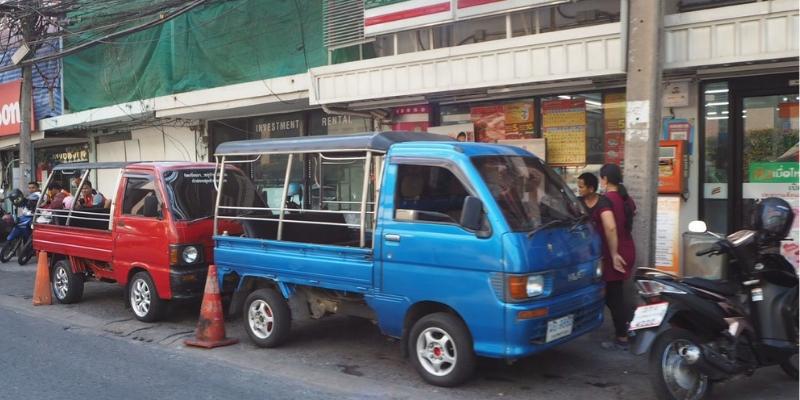 バンコクで活躍する中古軽トラック 20万キロ超