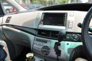 車のラジオオーディオ