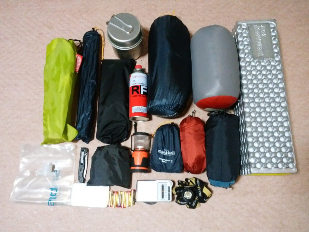 車中泊ソロキャンプで使う道具一覧