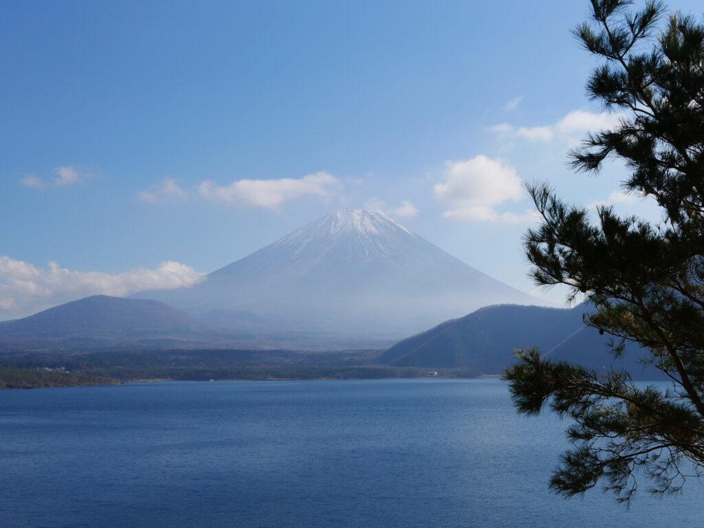 1,000円札に描かれた場所。富士山方面の見晴らしは絶景ポイント