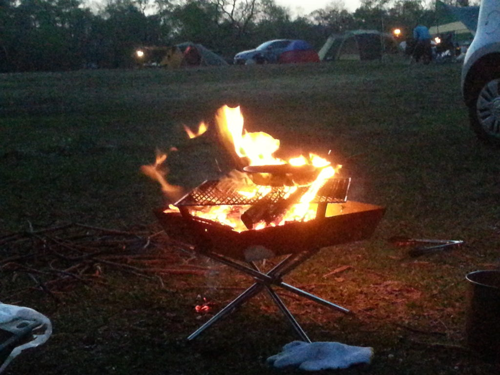 火を焚いたとき、人は文明社会から大自然に回帰するのです。