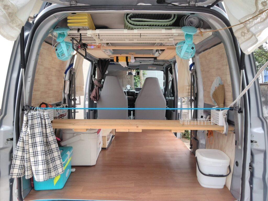 床上げをしないと、床材分の重量が軽くなります。しかもフルフラットは確保できます。
