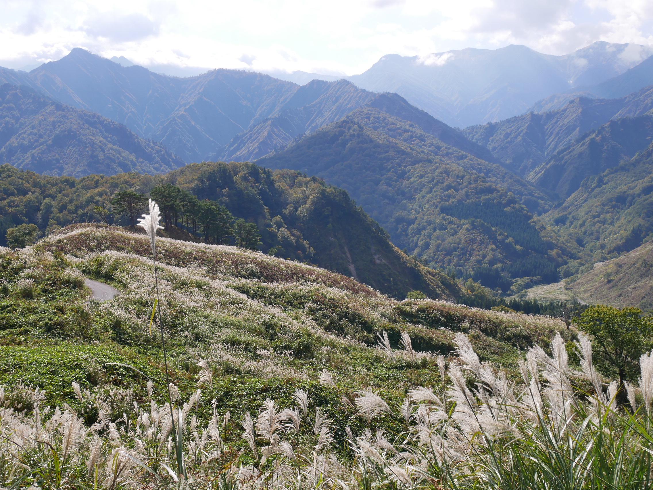 山々を眺めると気分もスッキリします