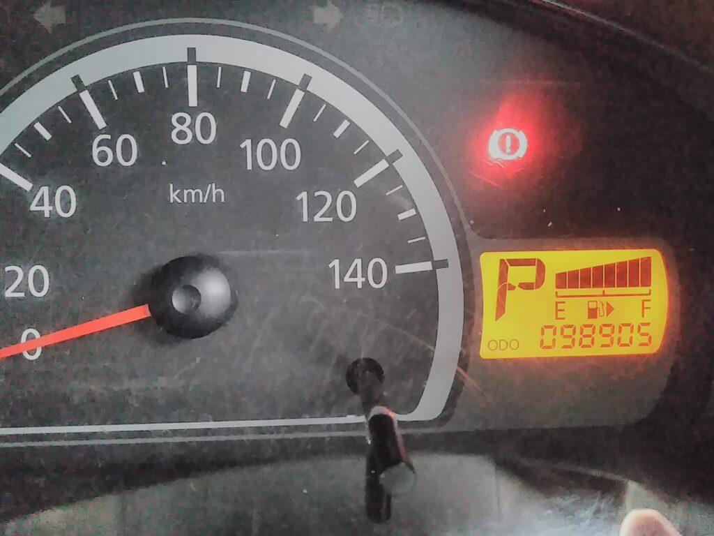 シンプルな軽バン 98,900kmの時