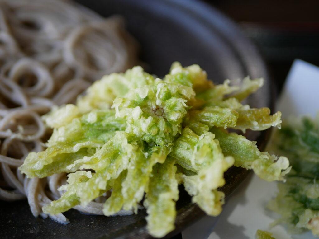 地元のお蕎麦屋さんで食べたふきのとうの天ぷら