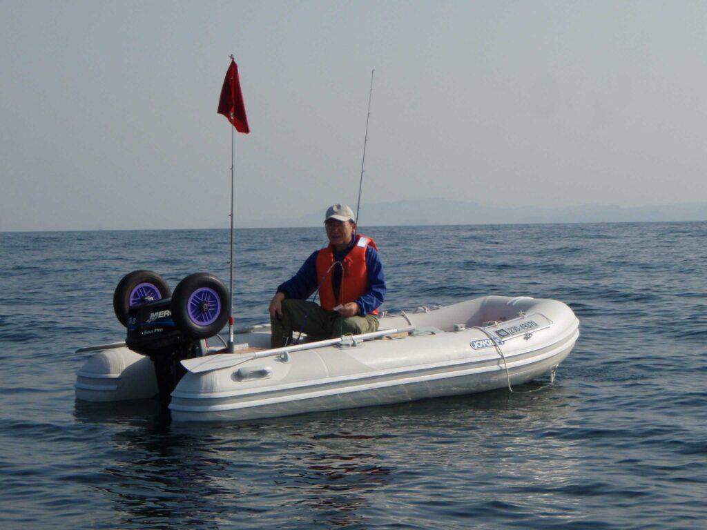 ジョイクラフトのボート+マーキュリー9.8馬力エンジン