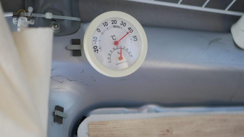 車内は40℃を超える!