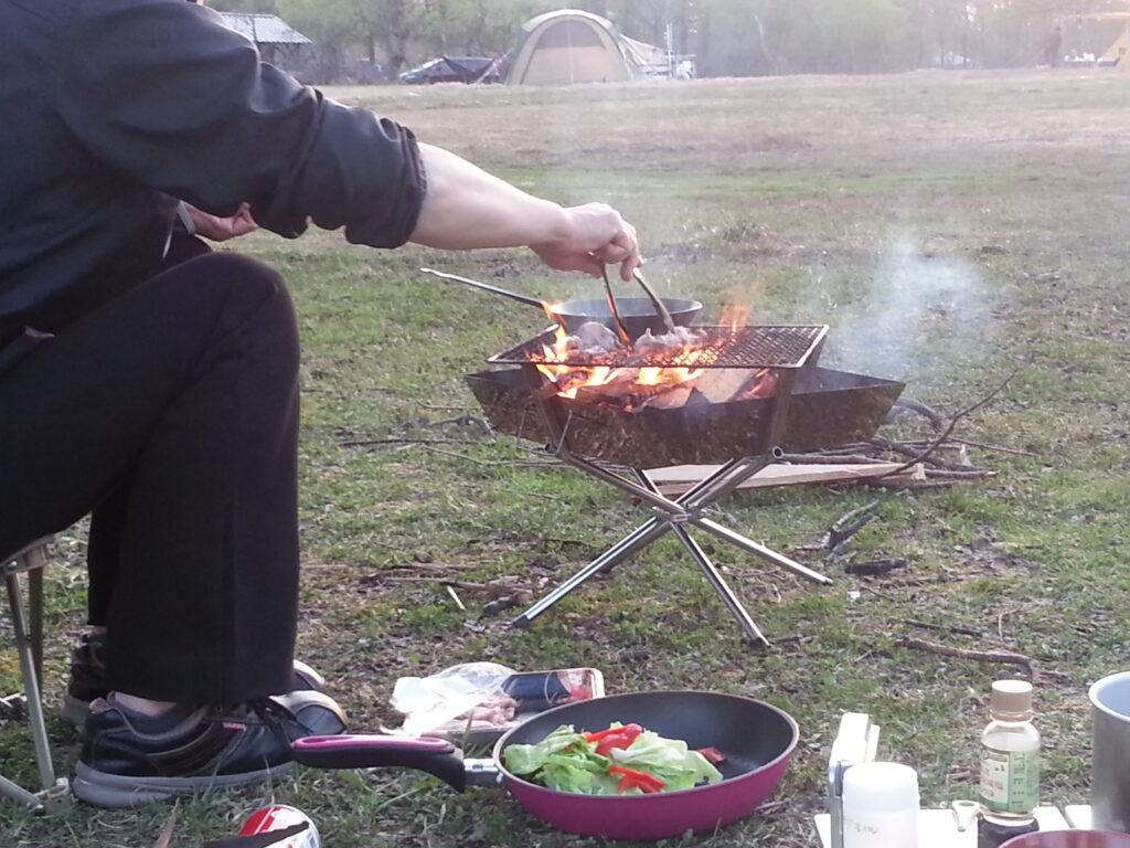 火には鉄フライパンがぴったり!