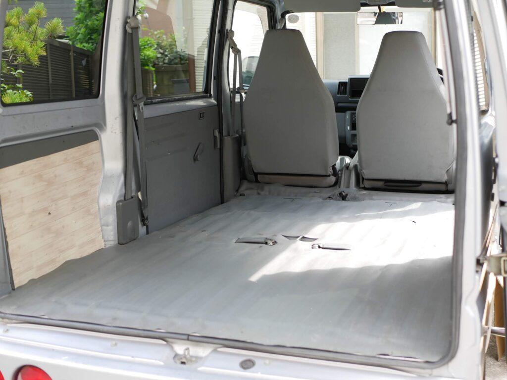 床下収納を作るスペースは広いけど、天井までが低くなる。